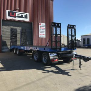 Quad Dog Trailer With Hydraulic Front And Rear Loading Ramps